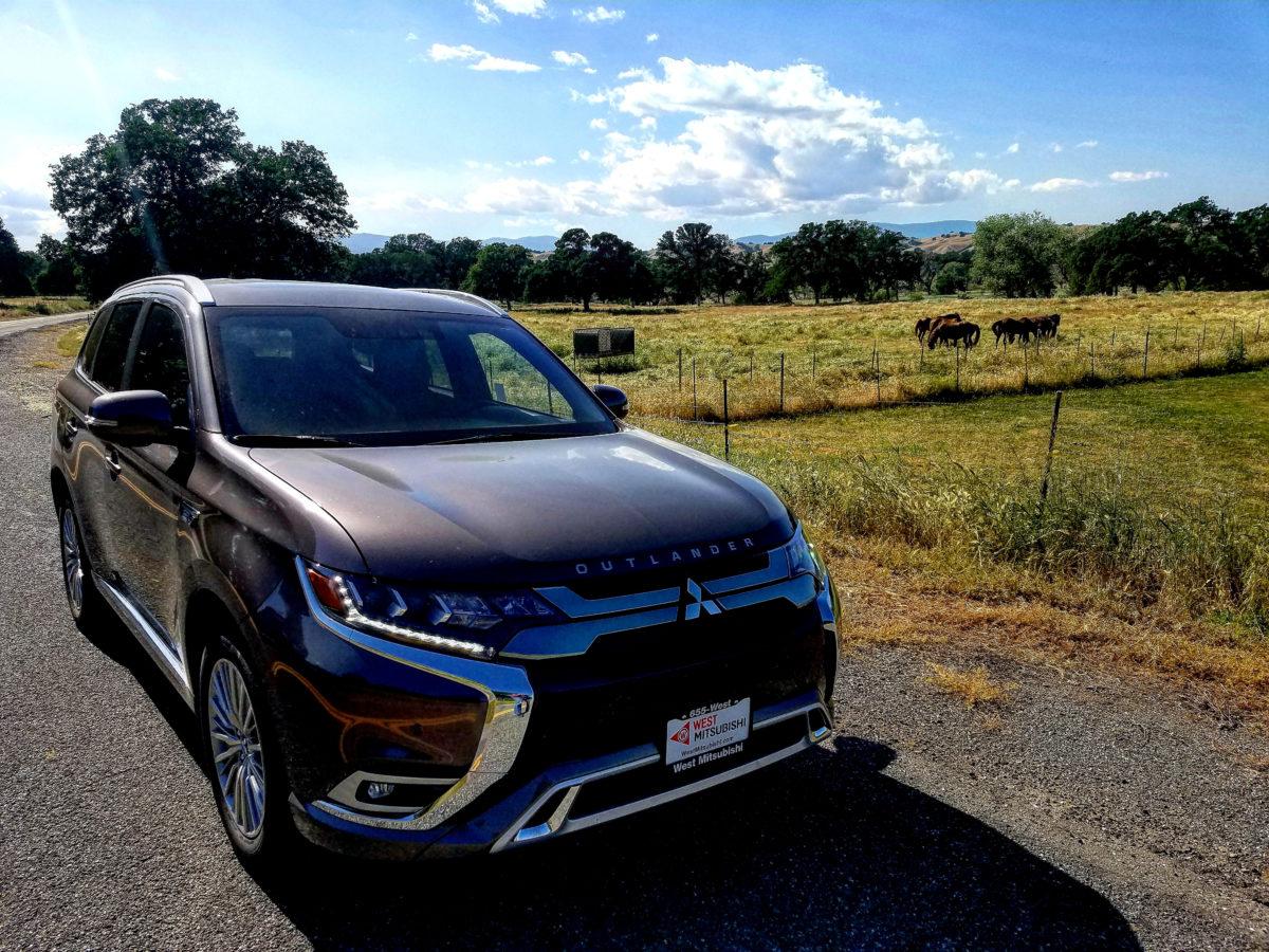 2019-Mitsubishi-Outlander-PHEV-4d-SUV-AWC-GT-01